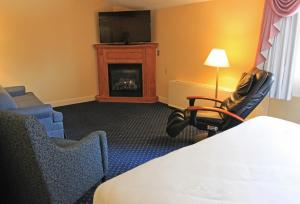 Fireside Inn & Suites Waterville, Отели  Waterville - big - 38