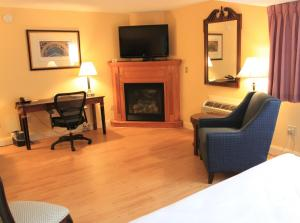 Fireside Inn & Suites Waterville, Отели  Waterville - big - 34