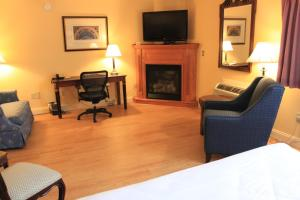 Fireside Inn & Suites Waterville, Отели  Waterville - big - 35