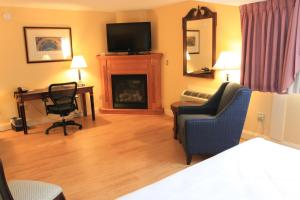 Fireside Inn & Suites Waterville, Отели  Waterville - big - 36