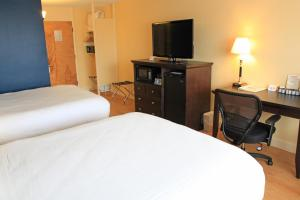 Fireside Inn & Suites Waterville, Отели  Waterville - big - 32