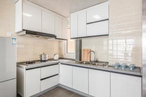 WeiHai Emily Seaview Holiday Apartment International Bathing Beach, Ferienwohnungen  Weihai - big - 31