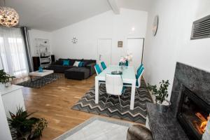 Cherry, Appartamenti  Omiš - big - 3