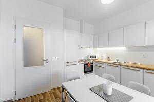 Ke Krci apartment, Апартаменты  Прага - big - 5