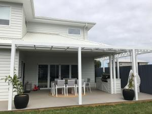 Cove Place Retreat - Luxury Accommodation Phillip Island, Dovolenkové domy  Cowes - big - 2