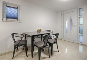 Cezar Luxury Apartment, Apartmány  Omiš - big - 2