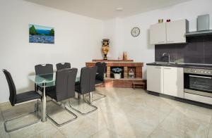 Cezar Luxury Apartment, Apartmány  Omiš - big - 11