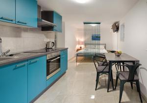 Cezar Luxury Apartment, Apartmány  Omiš - big - 14