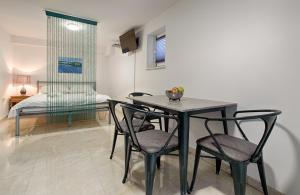 Cezar Luxury Apartment, Apartmány  Omiš - big - 27