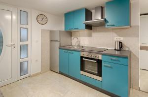 Cezar Luxury Apartment, Apartmány  Omiš - big - 33