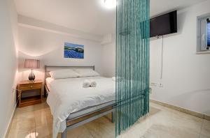 Cezar Luxury Apartment, Apartments  Omiš - big - 39