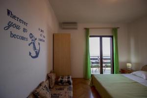Apartments Slavica, Ferienwohnungen  Omiš - big - 2
