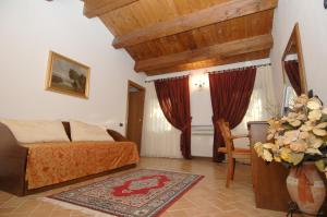 Colleverde Country House, Hotels  Urbino - big - 16