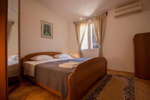 Apartments Slavica, Ferienwohnungen  Omiš - big - 14