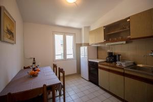 Apartments Slavica, Ferienwohnungen  Omiš - big - 17