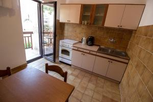 Apartments Slavica, Ferienwohnungen  Omiš - big - 24