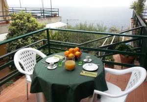 Elayon Home - Sea view apartment - AbcAlberghi.com