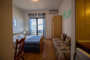 Apartments Slavica, Ferienwohnungen  Omiš - big - 40