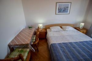 Apartments Slavica, Ferienwohnungen  Omiš - big - 42