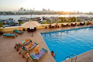 Carlton Tower Hotel, Hotely  Dubaj - big - 23