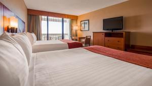 Queen Room with Two Queen Beds - Disney View / Balcony
