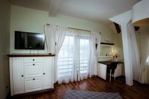 Soare-n Maramures, Guest houses  Budeşti - big - 2