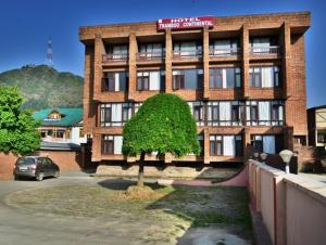 Hotel Tramboo Continental Dal Lake, Hotely  Srinagar - big - 4