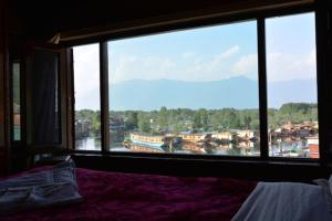 Hotel Tramboo Continental Dal Lake, Hotely  Srinagar - big - 3