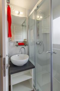 Diana & Josip Mobile Homes, Комплексы для отдыха с коттеджами/бунгало  Биоград-на-Мору - big - 18