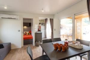 Diana & Josip Mobile Homes, Комплексы для отдыха с коттеджами/бунгало  Биоград-на-Мору - big - 20