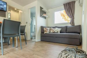 Diana & Josip Mobile Homes, Комплексы для отдыха с коттеджами/бунгало  Биоград-на-Мору - big - 24