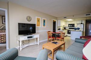 One Bedroom Oceanfront Suite