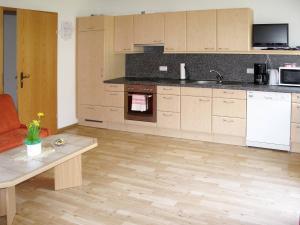 Landhaus Ines 141W, Apartmány  Kappl - big - 13