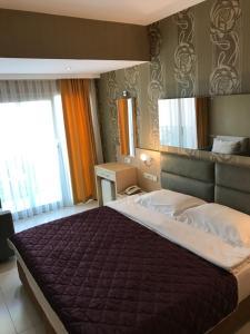 Marin-A Hotel, Отели  Тургутреис - big - 10