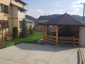 Pensiunea BRADU, Penzióny  Piatra Neamţ - big - 16