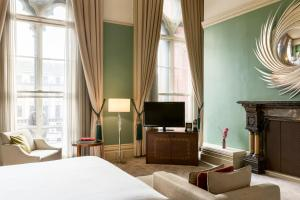 Chambers Grand Junior Suite mit Zugang zur Club Lounge