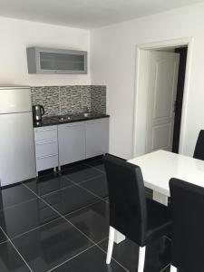Villa Hogic, Apartments  Ivanica - big - 20