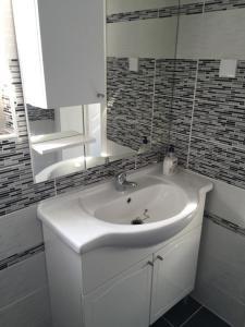 Villa Hogic, Apartments  Ivanica - big - 26