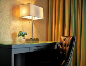 The Lonsdale Quay Hotel, Hotel  North Vancouver - big - 5
