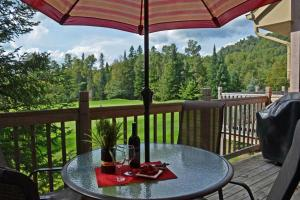 Cozy Condo on the Golf in Mont-Tremblant - Apartment