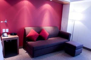 Queen Room with Sofa Bed - Non-Smoking