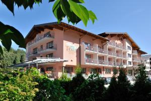 TONI Hotel + Appartements - Kaprun