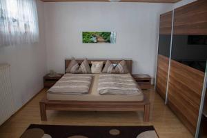 Ferienwohnung Mirtei, Apartmány  Hohenau - big - 13