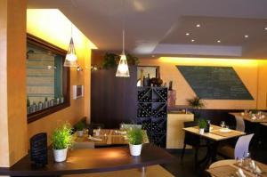 Logis Hôtel.com Restaurant l'Ardoise, Szállodák  Bédée - big - 29