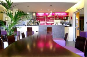 Logis Hôtel.com Restaurant l'Ardoise, Szállodák  Bédée - big - 30