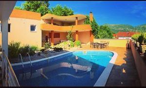 Holiday Home Mediteran, Apartmanok  Mostar - big - 3