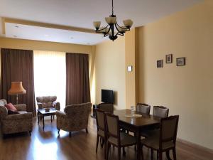 Super Apartment on Maghalashvili, Ferienwohnungen  Tbilisi City - big - 1