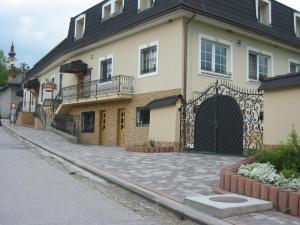 Penzion Lucs, Гостевые дома  Heľpa - big - 23