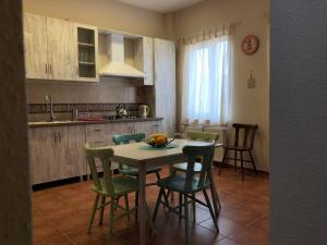 Super Apartment on Maghalashvili, Ferienwohnungen  Tbilisi City - big - 16