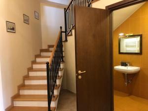 Super Apartment on Maghalashvili, Ferienwohnungen  Tbilisi City - big - 22